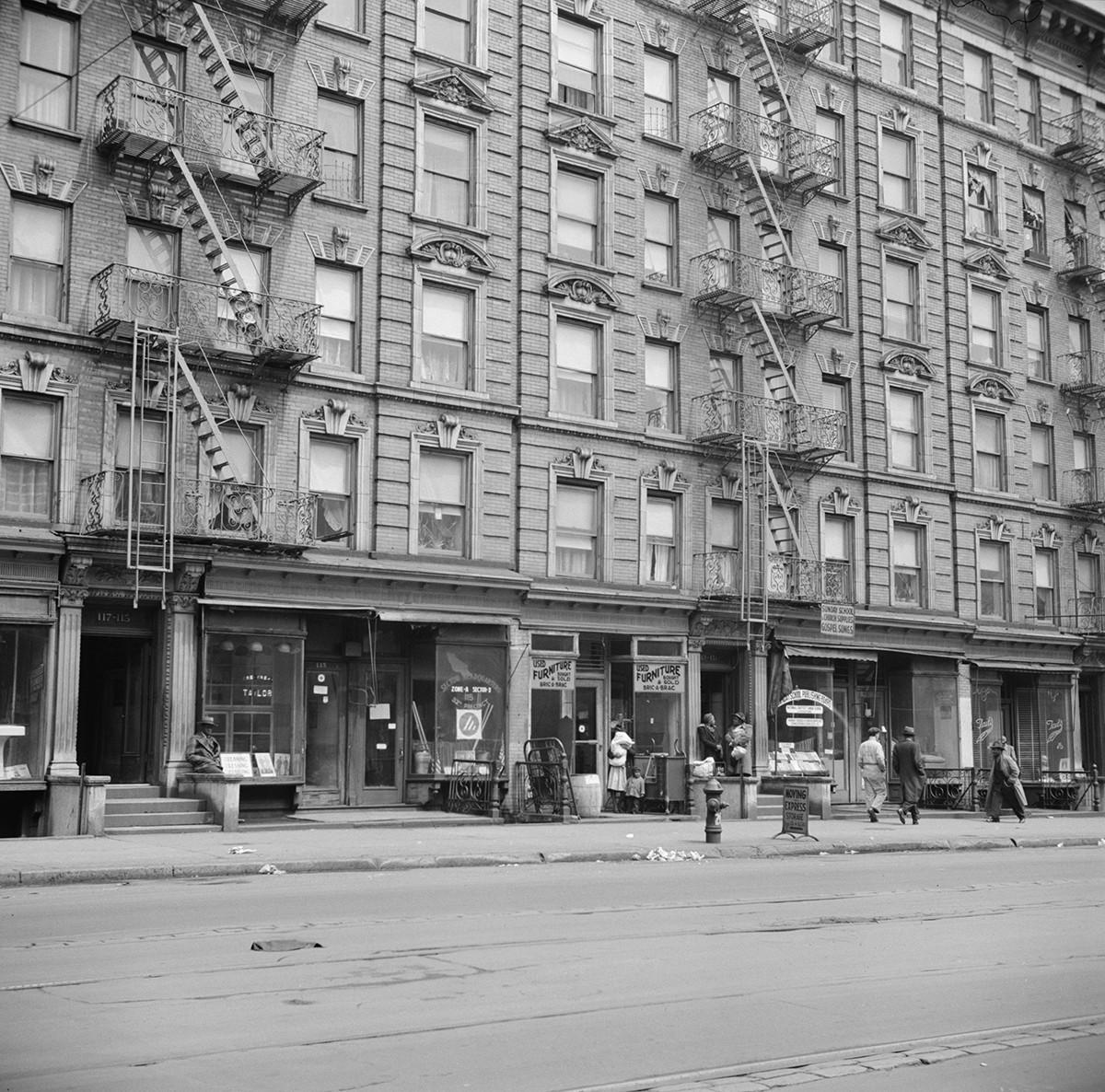 Gordon Parks, New York, New York. Harlem apartment house, 1943
